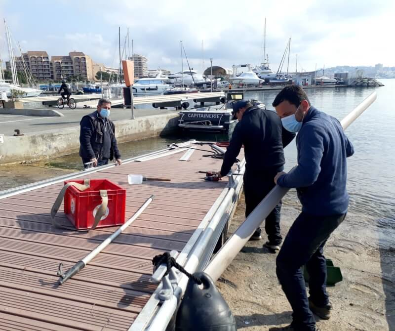 The restauration of the quay A is in progress